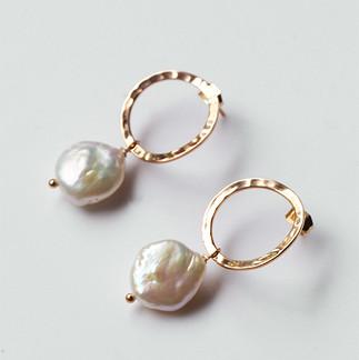 new-studs-pearl.jpg