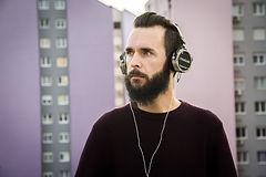 headphones-4611459_1280.jpg