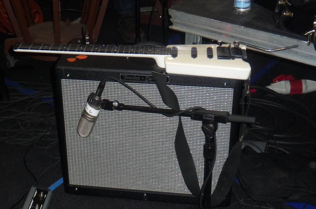 Steinberger on fender amp