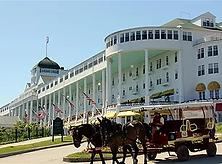 mackinac_island_grand_hotel_700x463.webp