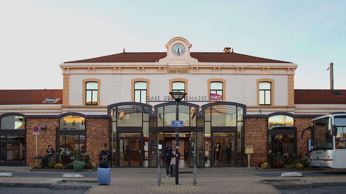 Gare_SNCF,_Annemasse,_France