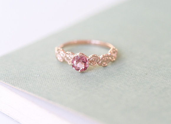 9ct Gold Floral Ring with Spinel
