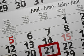 calendar-2428560_1920.jpg