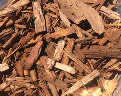 premium light brown mulch