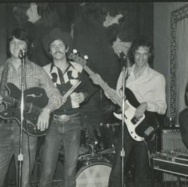 Cahoots at The Longhorn Bar