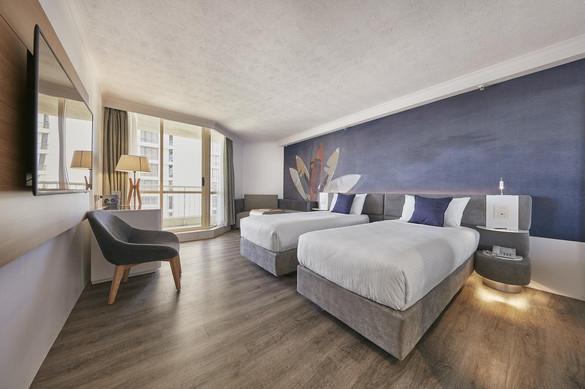Novotel Surfers Paradise Room.jpg