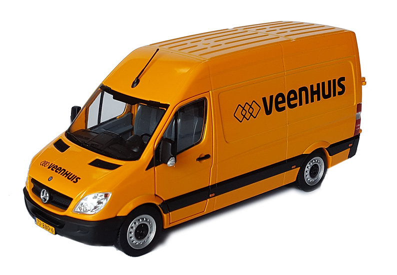 Mercedes-Benz Sprinter yellow Veenhuis edition