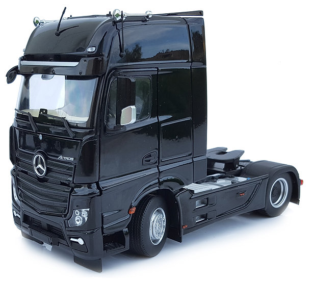 Mercedes-Benz Actros Gigaspace 4x2 black