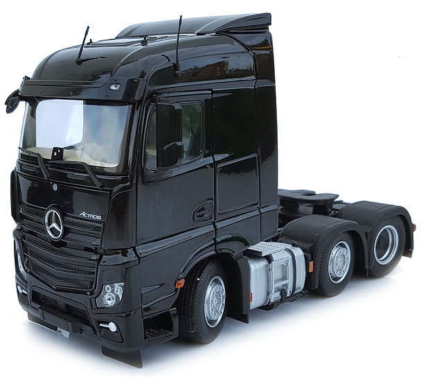Mercedes-Benz Actros Streamspace 6x2 black