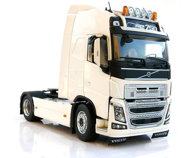 Volvo FH16 4x2 white