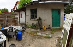 Nebengebäude mit Garage