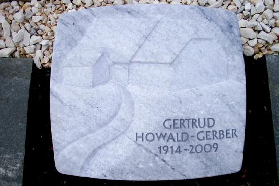 grabplatte_gertrud_howald_gerber.jpg