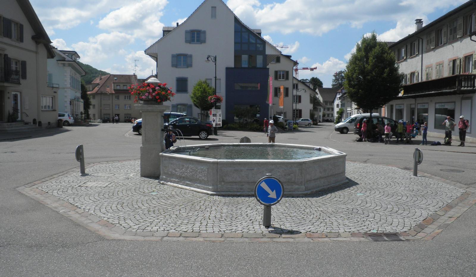 026_Dorfbrunnen Gelterkinden.JPG