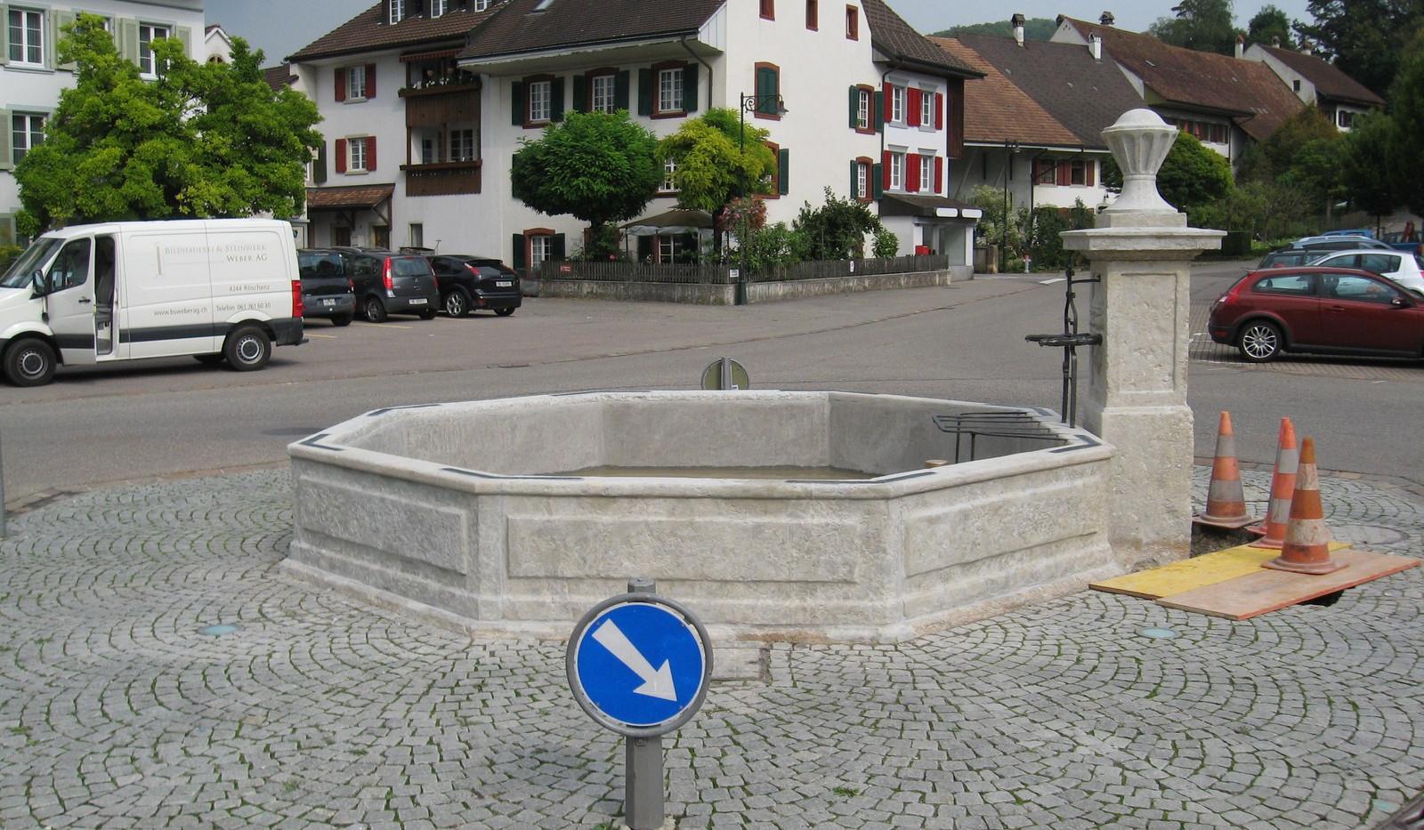023_Dorfbrunnen Gelterkinden.JPG