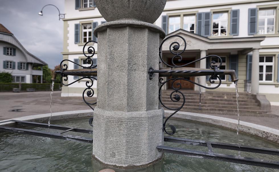 24_schulhausbrunnen_roggwil.Jpg