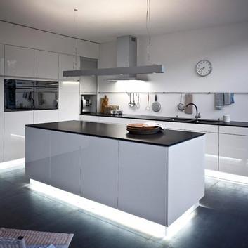 Sanierungen v Küchen & Bäder