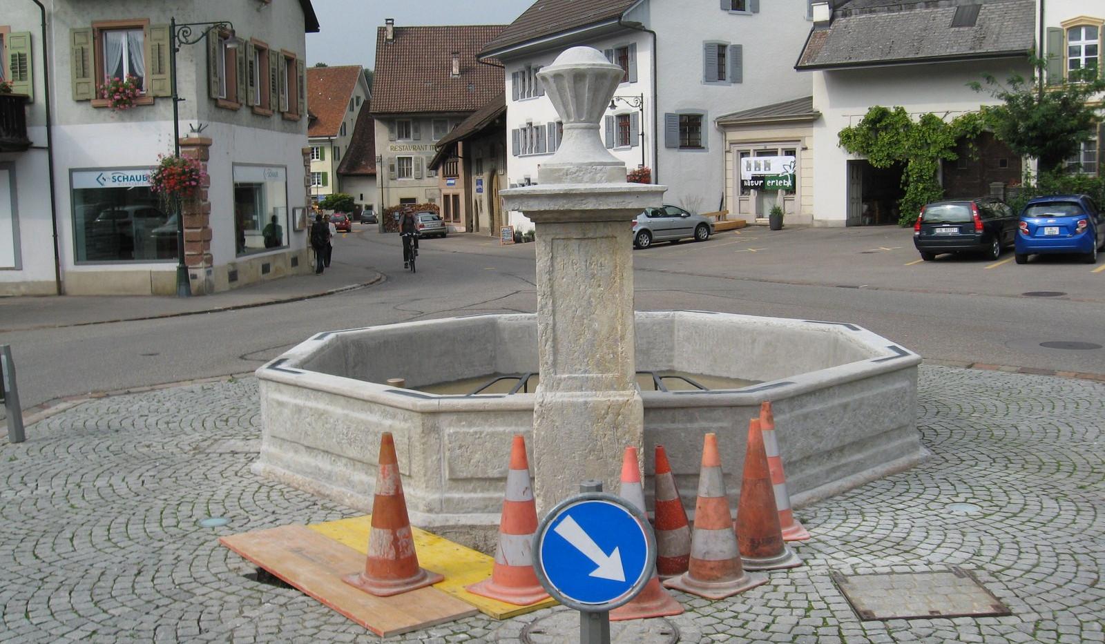 022_Dorfbrunnen Gelterkinden.JPG