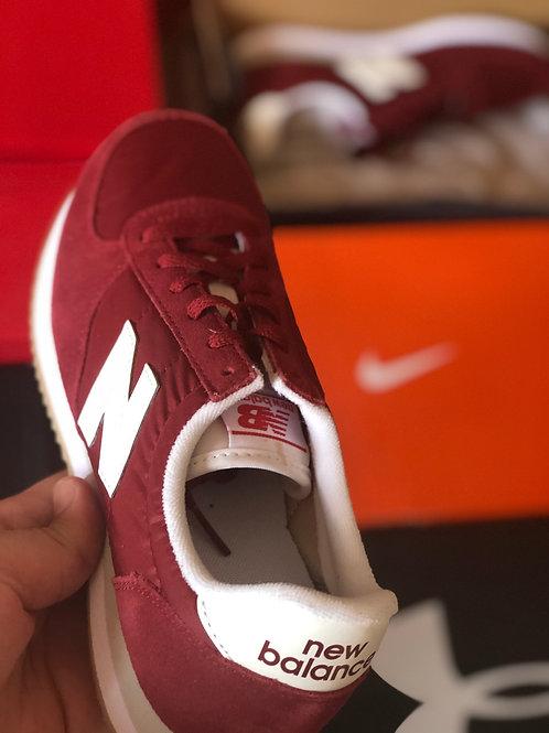 New Balance 220  Women Sneaker