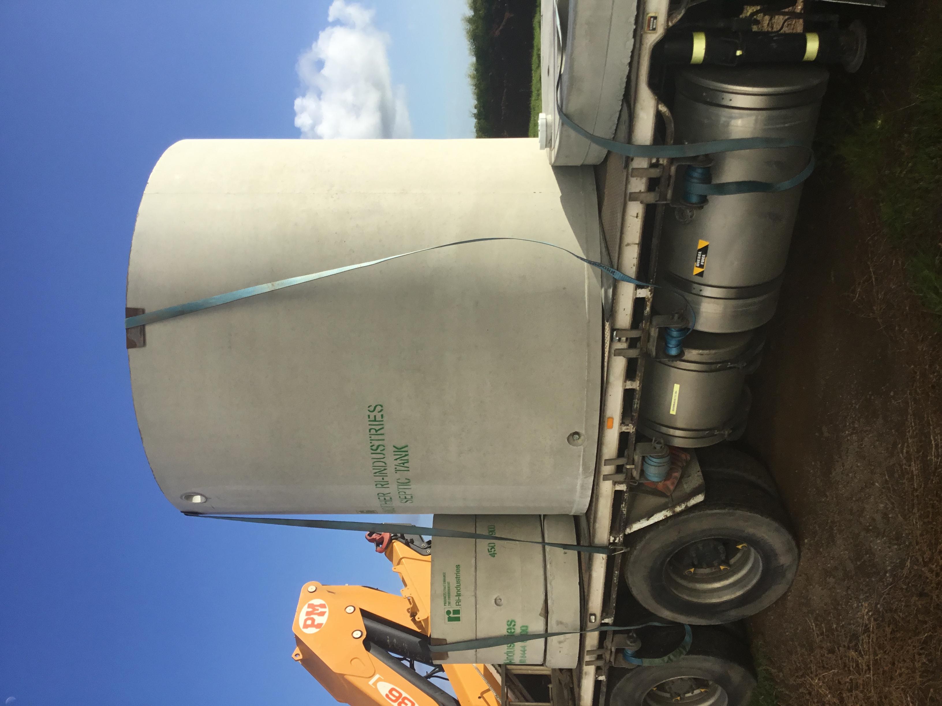 IMG_0104 8000L septic tank