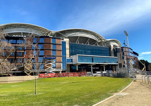 Adelaide Oval Hotel - Built Environs
