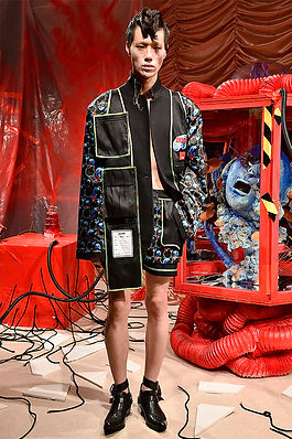 UNDERAGE_AW19_Look1_0006_UNDERAGE_AW19_L