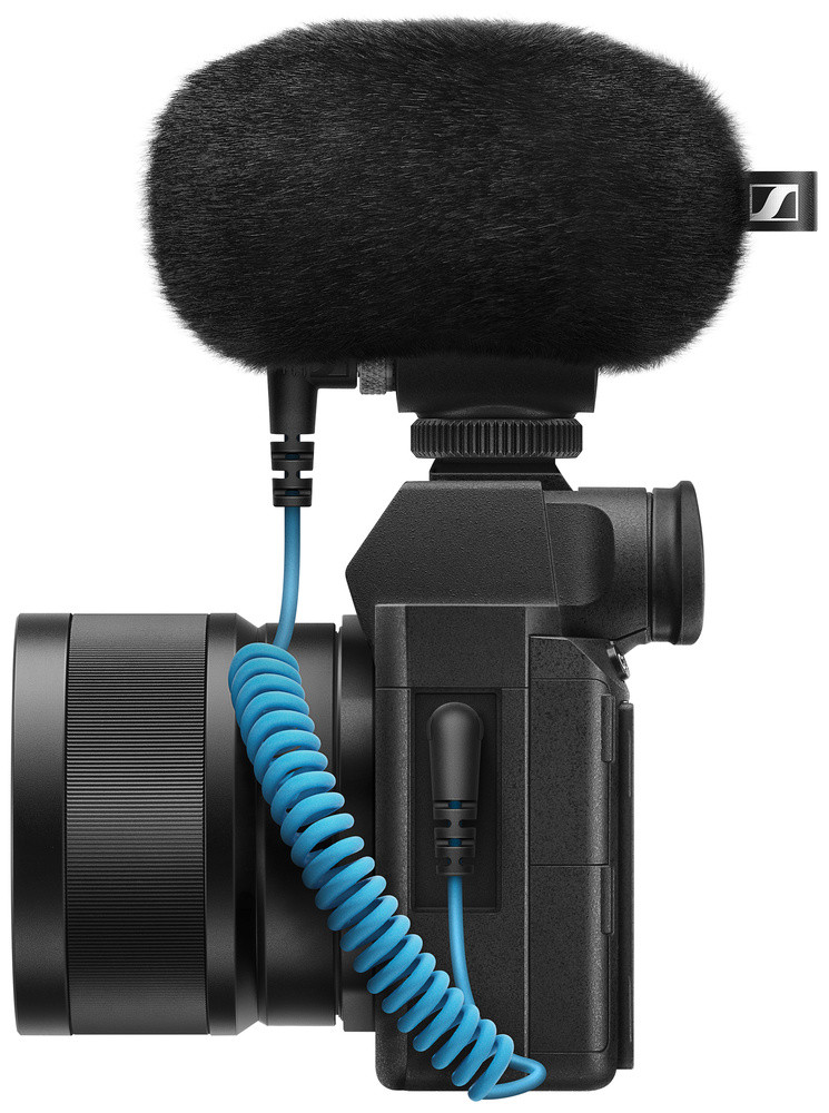 Sennheiser MKE 200 and mirrorless camera