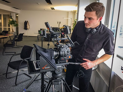 teleprompter operator, autocue, vienna, austria, cameraman, camera, testimonial, interview, conference