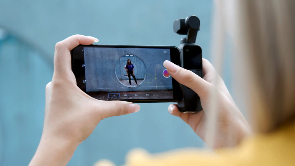 DJI Osmo Pocket with cell phone