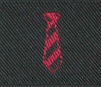 赤いロゴ刺繍の織りネームのアップ