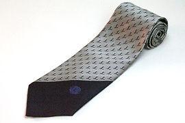 ロゴポイント柄入りのツートンのクラブ用のジャガードネクタイ
