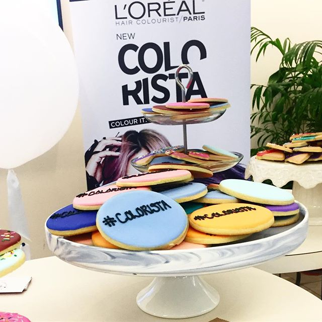 We're feeling ourselves with #COLORISTA 💁🏻 #yespleasemtl #cookies #sweets #dessert #montreal #mtl