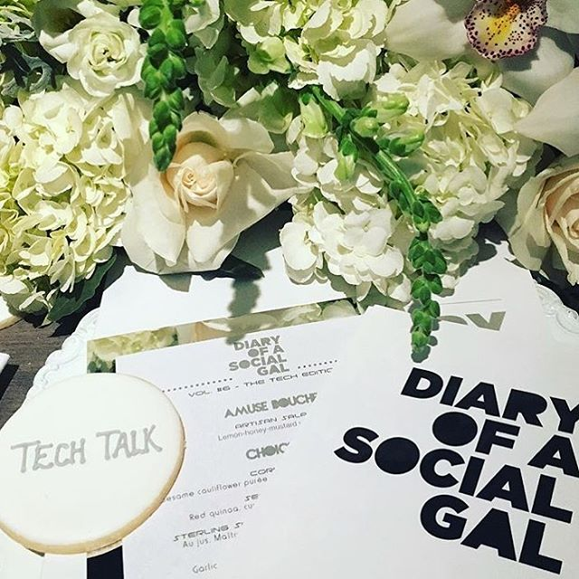 Throwing back on Thursday! Tech Talk with our fave _diaryofasocialgal 💁🏻🍪🌸 #yespleasemtl #cookie