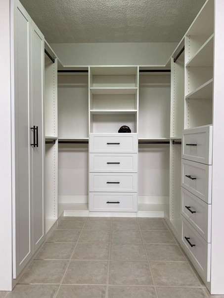 walk-in closet designs for a master bedroom