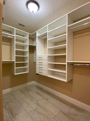 Wall closet system