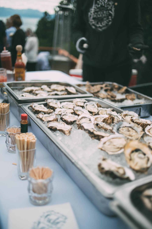 field to vase raw bar, Jakolof Bay oysters