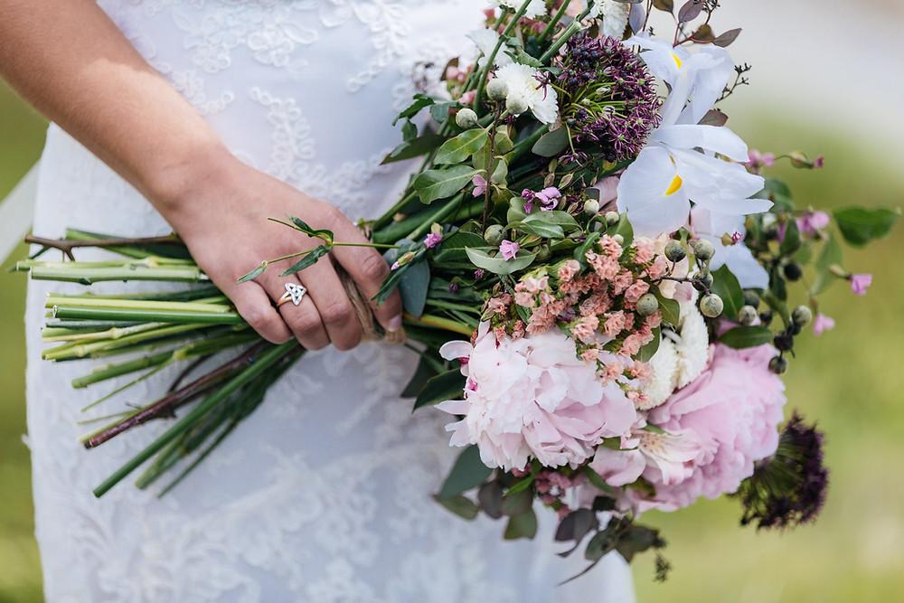 Plan your Alaska destination wedding with La Boum Events! | Photo by Chugach Peaks Photography
