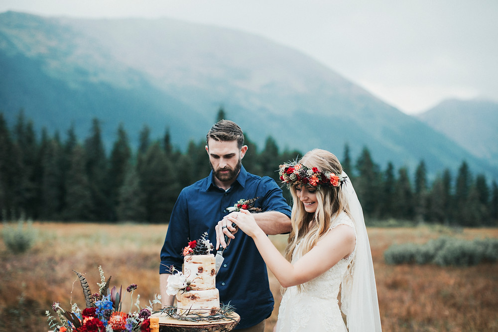 Alaska adventure elopement with styled mini cake on location