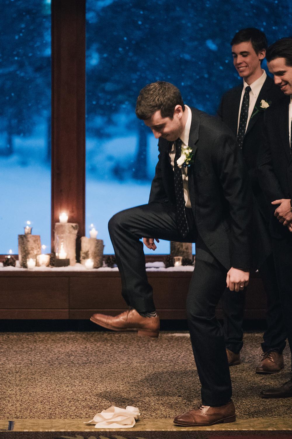 jewish wedding tradition, break the glass, Alyeska wedding