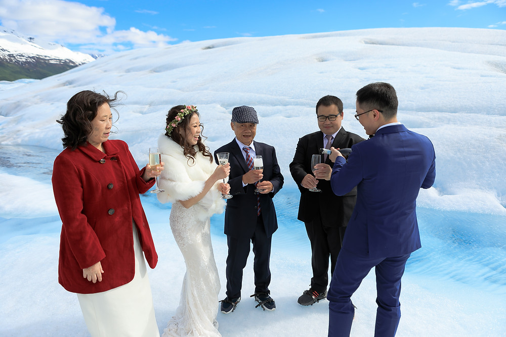 Plan your Alaska glacier elopement with La Boum Events! | Photo by Chugach Peaks