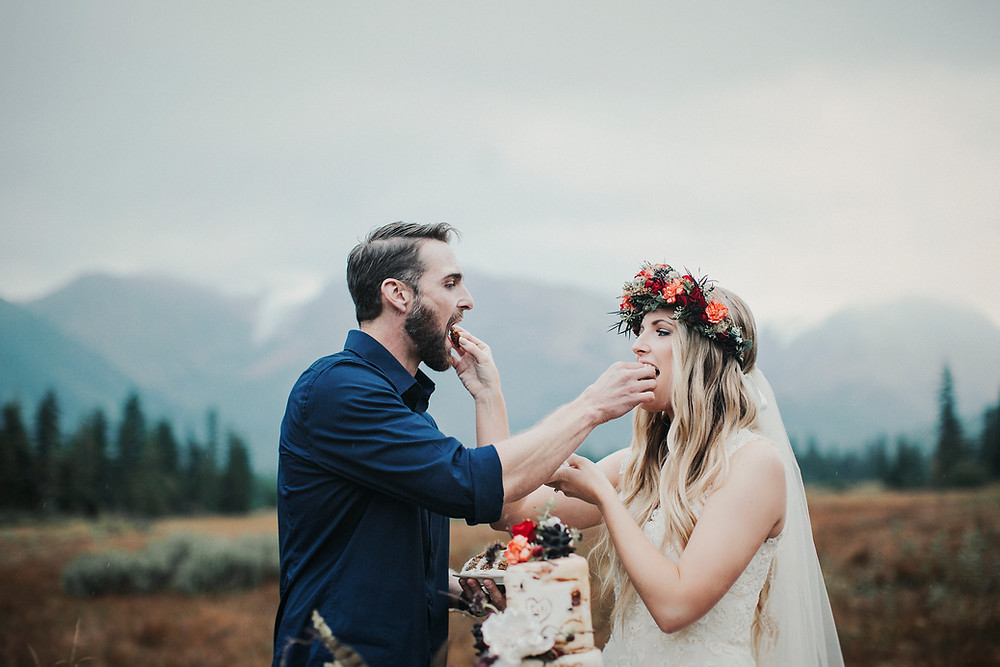 Alaska adventure elopement with styled mini wedding, cake and champagne service