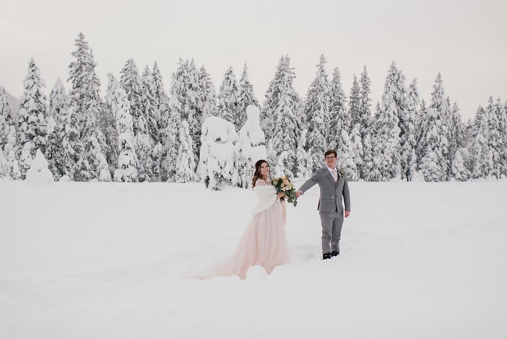 Snowy, winter Alaska elopement in Girdwood