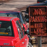2004-02-02_No_Parking_Fire_Lane.jpg