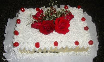 bolo rosas naturais