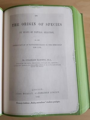 """Charleso Darwino knyga """"Rūšių atsiradimas"""""""