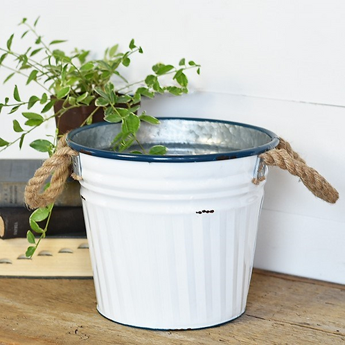Tin Beach Bucket