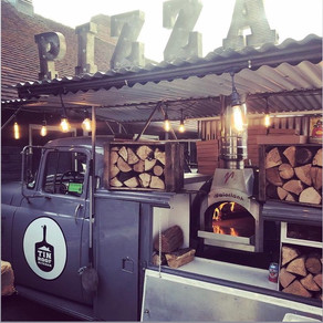 Supplier : TIN ROOF KITCHEN - Pizza heaven from a 1956 Dodge pickup!