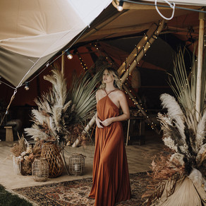 Pampas & Palms : Make a statement with a floral tipi entrance display