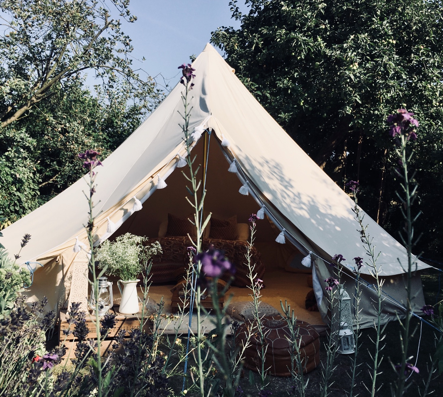 Bell tent hire - garden party