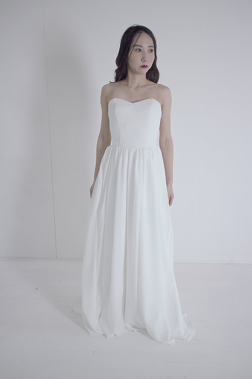 シンプルウエディングドレス