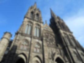 Cathédrale_-_Clermont-Ferrand.jpg